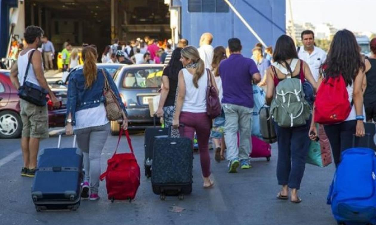 Περισσότεροι επιβάτες στα ελληνικά λιμάνια