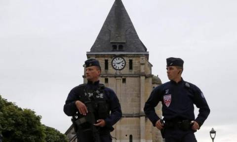 France detains Syrian refugee as church attack investigation widens