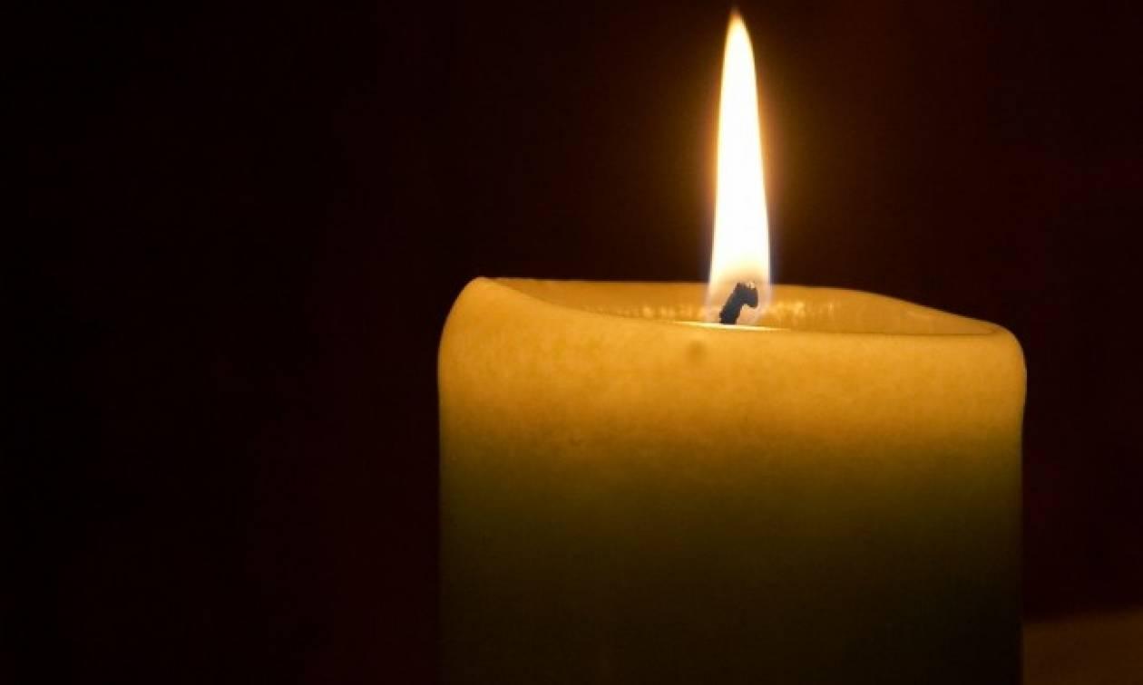 Θρήνος για τον χαμό του μικρού Άγγελου: «Έσβησε» στην αγκαλιά της μητέρας του
