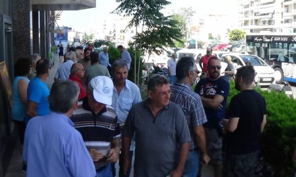 Έβρος: Συμβολική διαμαρτυρία αντιπροσωπείας αγροτών-κτηνοτρόφων στα γραφεία του ΕΛΓΑ