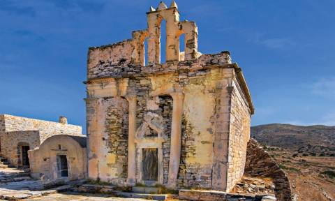 Σίκινος: Αποκατάσταση του Ναού Επισκοπής