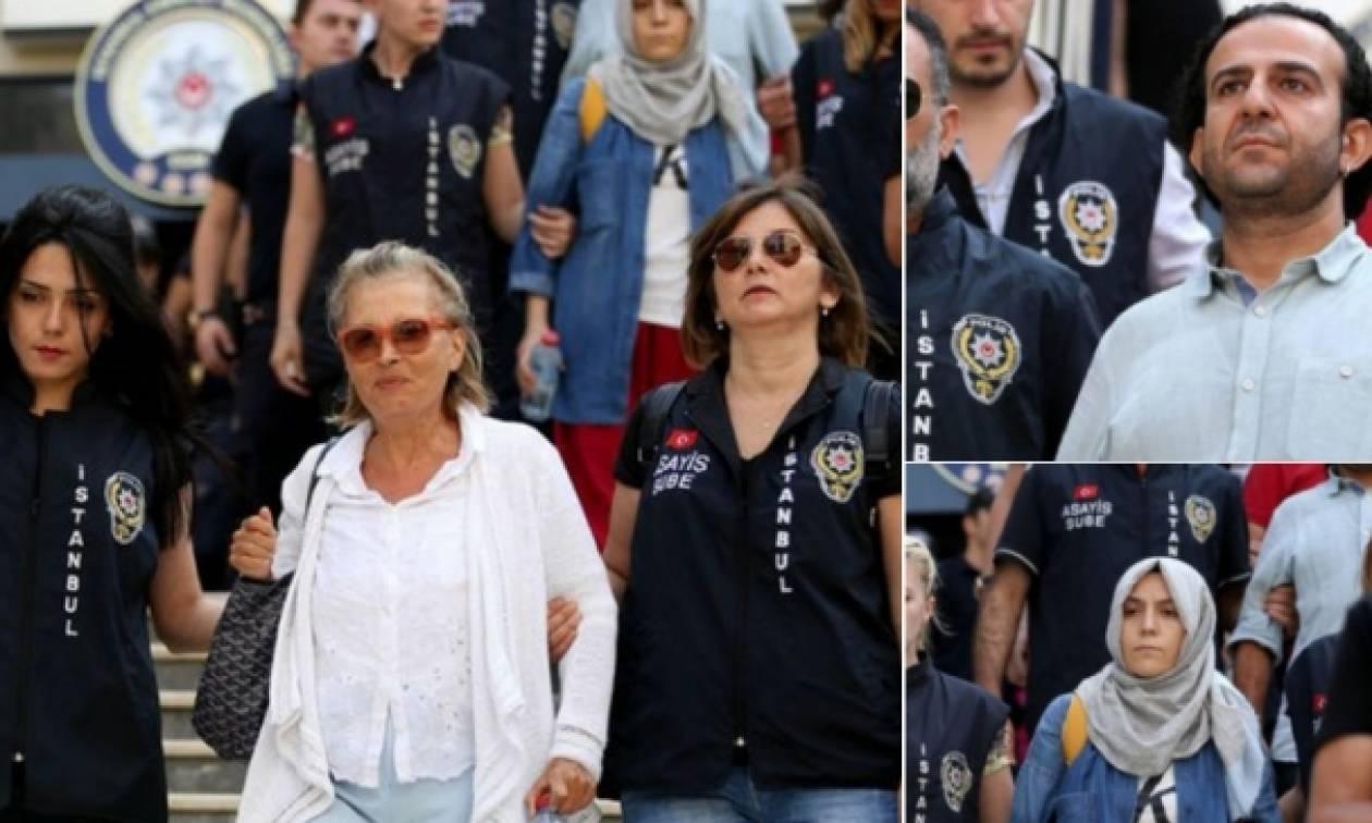 Τουρκία: Δικαστήριο διέταξε την προφυλάκιση 17 δημοσιογράφων