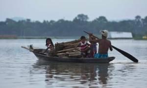 Οι μουσώνες «έπνιξαν» την Ινδία: Τουλάχιστον 52 οι νεκροί
