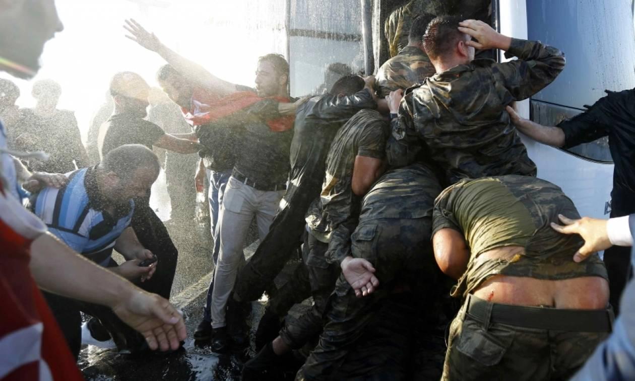 Τουρκία: Ο Ερντογάν αποφυλακίζει 750 στρατιώτες