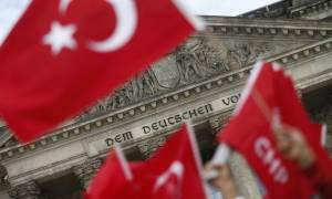 Γερμανία: Διαδήλωση υπέρ του Ερντογάν στην Κολωνία προκαλεί «κύμα» αντισυγκεντρώσεων
