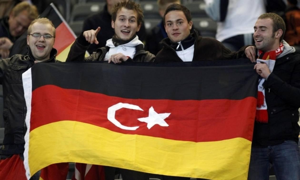 Γερμανία: Οι Γερμανο-Tούρκοι να επιλέγουν την τουρκική ή την γερμανική υπηκοότητα στα 23 τους