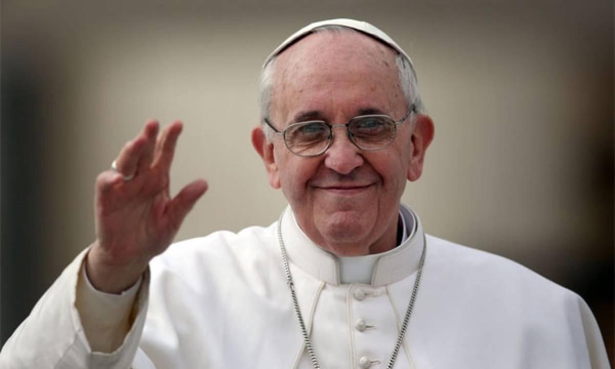 Ο πάπας Φραγκίσκος κάλεσε τους νέους να κάνουν «chat» την προσευχή, το Ευαγγέλιο «πλοηγό»