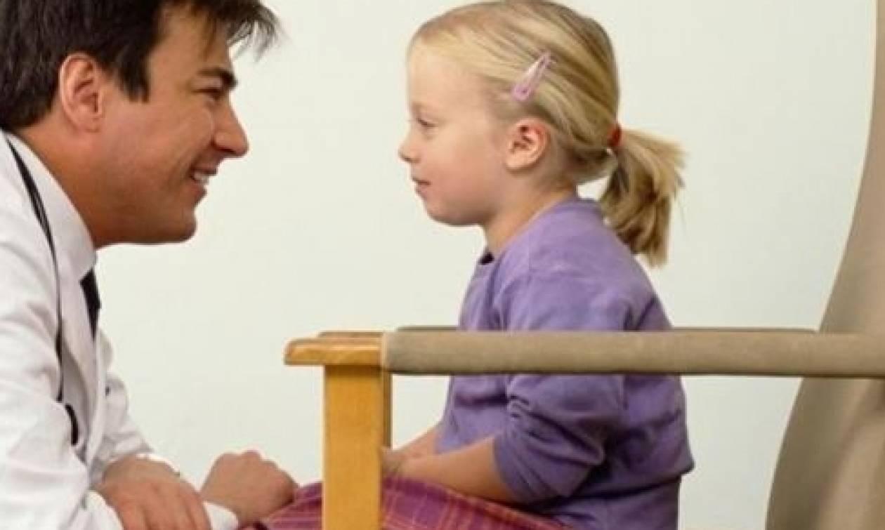Τί σημαίνει όταν η γλώσσα του παιδιού είναι λευκή;