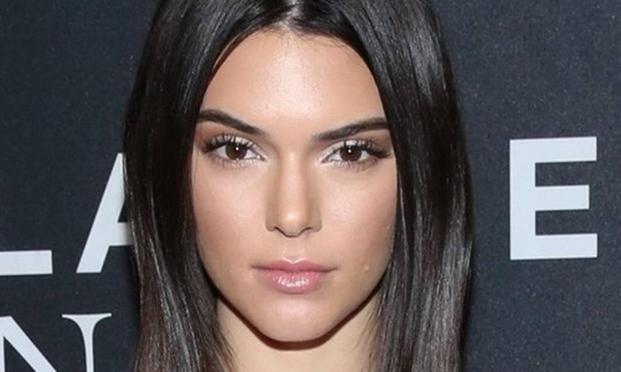Η Kendall Jenner με το outfit που πρέπει οπωσδήποτε να δοκιμάσεις στις διακοπές σου