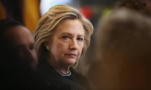 Η Χίλαρι κατηγορεί τη Ρωσία για την υποκλοπή της DNC