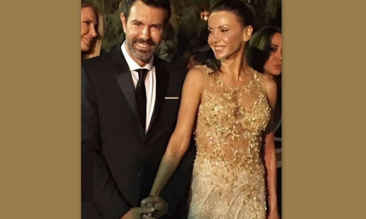 Παντρεύτηκαν Μαρινάκης-Καλπάκη: Οι πρώτες φωτό από τον γάμο τους στην Κρήτη