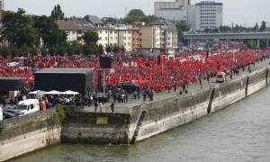 Τουρκία: Απειλεί την Ευρώπη με «πραξικόπημα» για τους πρόσφυγες