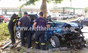 Θανατηφόρο τροχαίο στη Νέα Είσοδο Καλαμάτας: Αυτοκίνητο «καρφώθηκε» σε δέντρο (pics&vid)