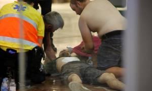 Πανικός στην Βαρκελώνη: Άνδρας επιτέθηκε με μαχαίρι στον Ηλεκτρικό (pics)