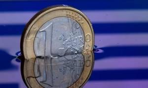 «Εκτροχιάστηκαν» τα έσοδα τον Ιούλιο – Κινδυνεύουν μισθοί και συντάξεις λόγω του κόφτη