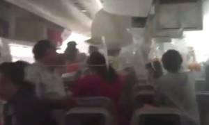Συγκλονιστικό βίντεο: Σκηνές πανικού στο φλεγόμενο Boeing της Emirates