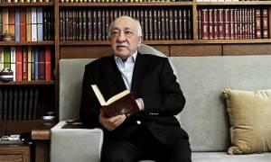Ο Γκιουλέν καταγγέλλει τον Ερντογάν για το ένταλμα σύλληψης που εξέδωσε σε βάρος του η Τουρκία