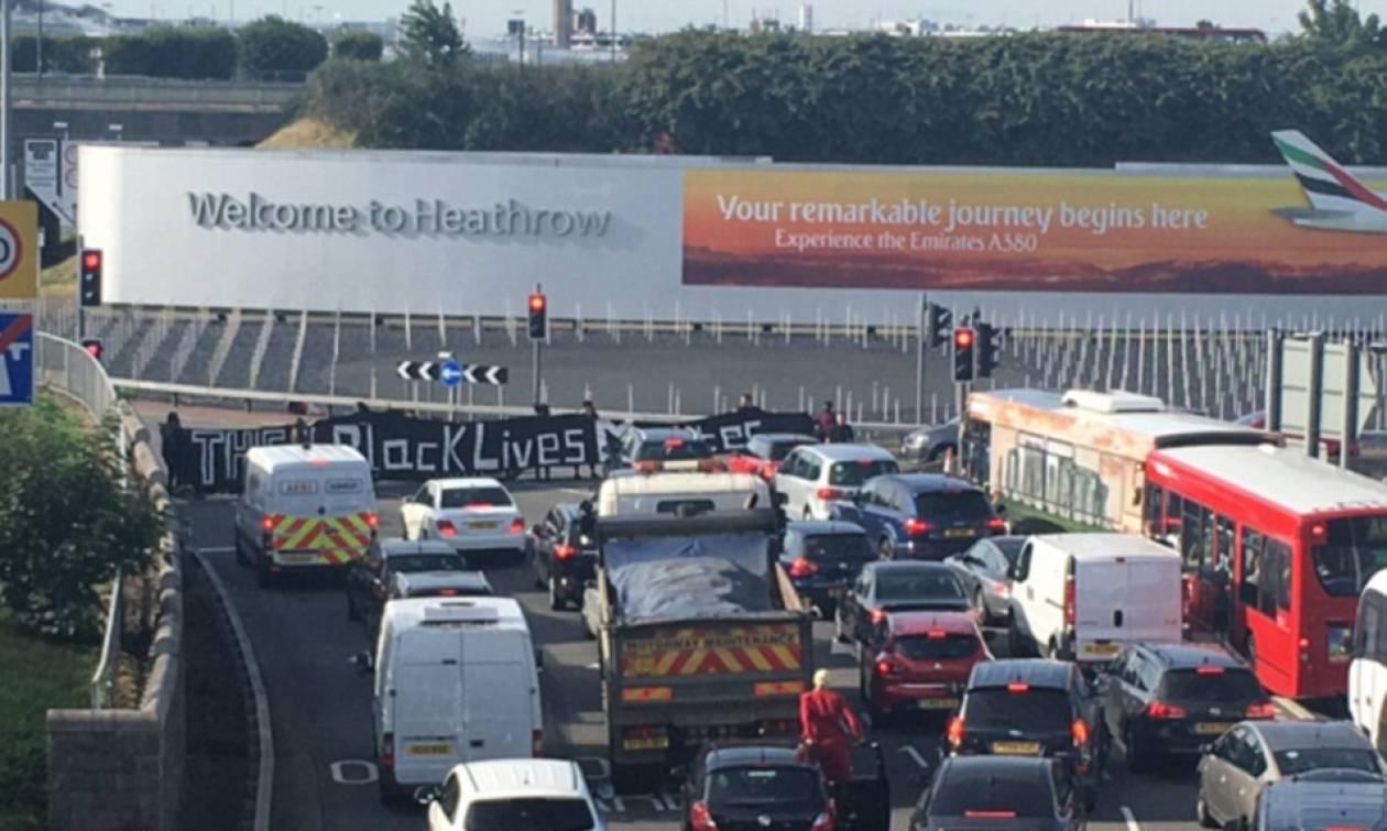 Βρετανία: Χαός στο αεροδρόμιο του Χίθροου εξαιτίας διαδηλωτών (pics+vid)
