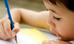 Το γράμμα που έγινε viral: Ένας 8χρονος γράφει στη μαμά του από την κατασκήνωση!