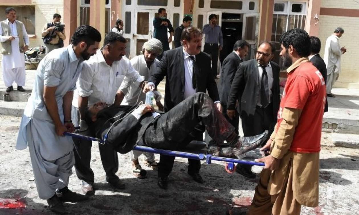 Ισλαμικό Κράτος και Ταλιμπάν πίσω από την πολύνεκρη επίθεση στο Πακιστάν