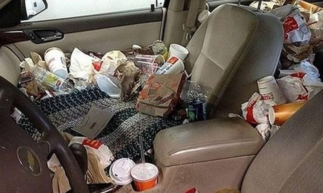 Άφησε ένα φακελάκι τσάι κάτω από τον καθρέφτη του αυτοκινήτου - Δεν φαντάζεστε το λόγο