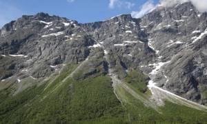 «Κινούμενο» βουνό προκαλεί πανικό στη Νορβηγία