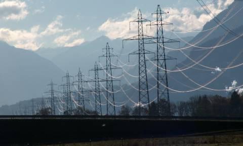 Ενέργεια: Κυβέρνηση και δανειστές επιχειρούν να διαλύσουν τη ΔΕΗ μέσω του «Μνημονίου 3»
