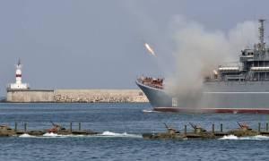 Κατηγορίες κατά του Κιέβου για εισβολή - Η Μόσχα «ζεσταίνει» τη στρατιωτική της μηχανή
