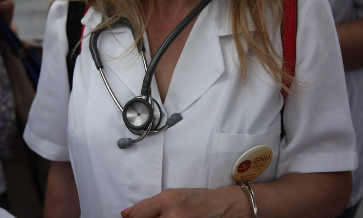 Στο ΣτΕ ο Πανελλήνιος Ιατρικός Σύλλογος για τις συντάξεις των γιατρών