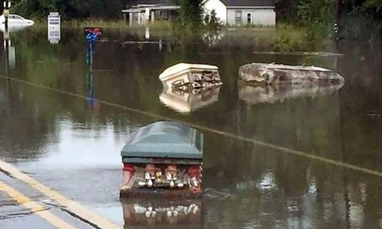 Εικόνες Αποκάλυψης στις ΗΠΑ: Πύρινη κόλαση και φέρετρα σε πλημμυρισμένους δρόμους (videos)