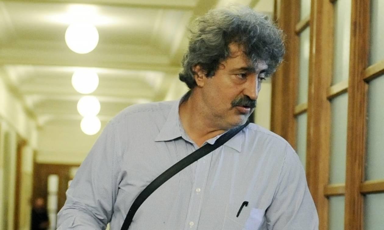 Απειλούν τη σύζυγο και τον πεθερό του Πολάκη – «Σε ψάχνω» απαντά ο αν. υπουργός