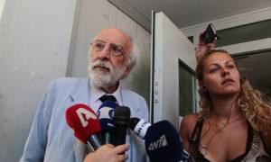 Τραγωδία στην Αίγινα: Παραιτήθηκε ο Λυκουρέζος από την υπεράσπιση του 77χρονου
