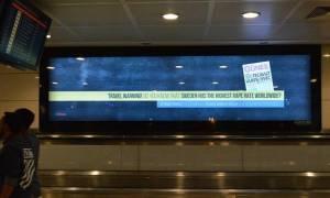 Σάλος με αφίσα στο αεροδρόμιο Ατατούρκ: «Σουηδία, η χώρα του βιασμού»