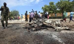 Σομαλία: Παγιδευμένο αυτοκίνητο σκόρπισε τον θάνατο με τουλάχιστον δέκα νεκρούς