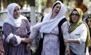 Μακελειό στην Τουρκία: Οργή και θρήνος στο Γκαζίαντεπ για τον γάμο που μετατράπηκε σε εφιάλτη (Vids)