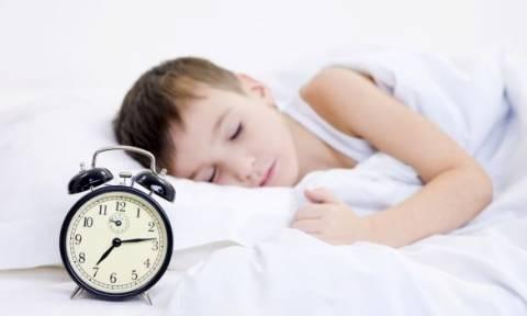 Back to school: Πώς θα μπει το παιδί σας ξανά σε πρόγραμμα - Συμβουλές για γονείς