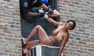 Πήγε να πηδήξει ολόγυμνη από το παράθυρό της! (pic)
