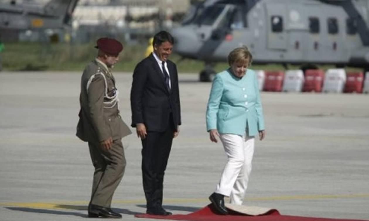 Μέρκελ η νοικοκυρά: Το σήκωσε ο άνεμος και το τακτοποίησε με το πόδι - «Χωρίς την Τουρκία...» (vids)