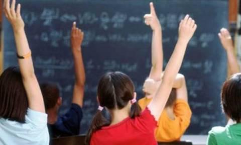 Αυτές είναι οι οδηγίες του Υπ. Παιδείας προς τα σχολεία για τους μαθητές «χωρισμένων» γονιών