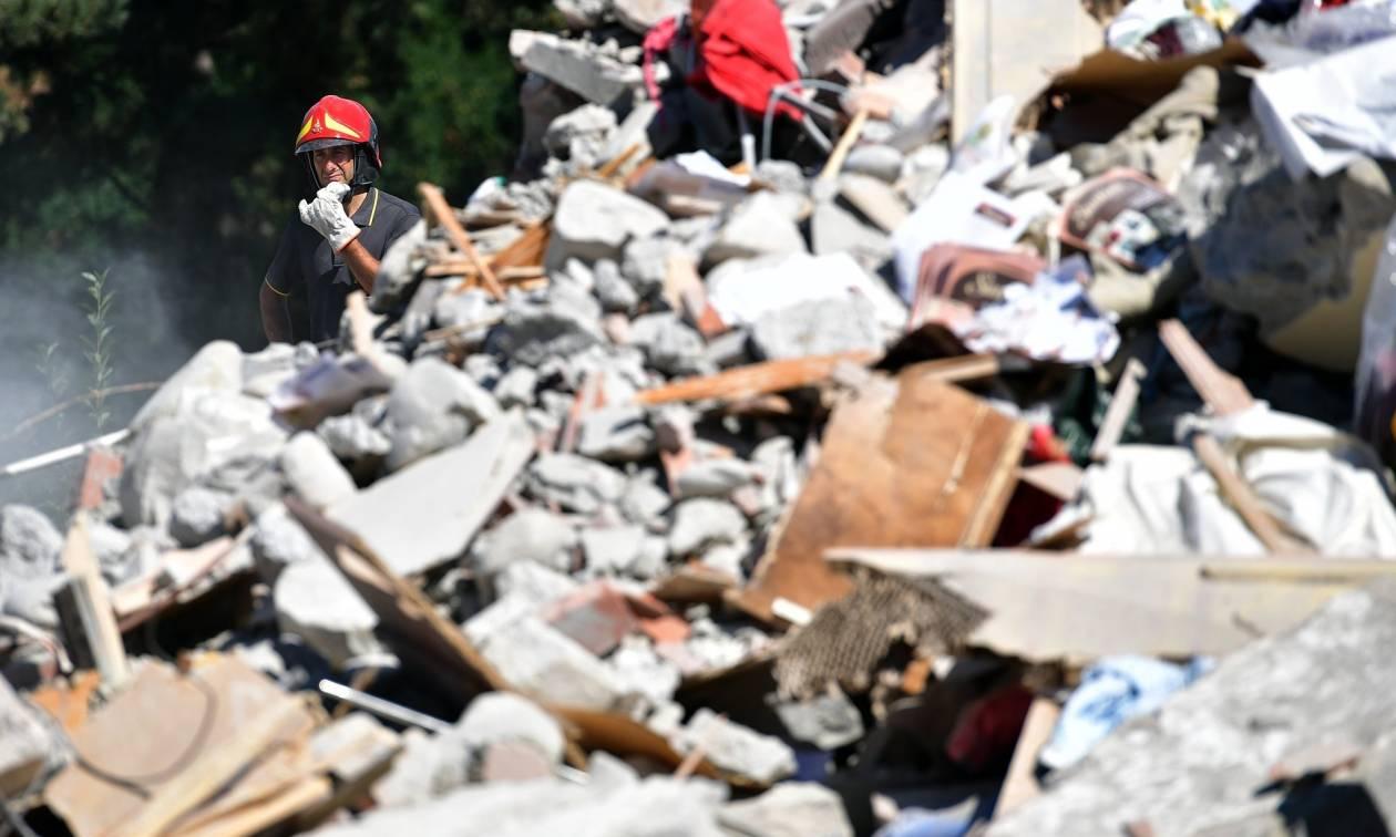 Σεισμός Ιταλία: Θρήνος στα χαλάσματα - Στους 268 οι νεκροί – Φόβοι για εκατόμβη νεκρών (Pics & Vid)