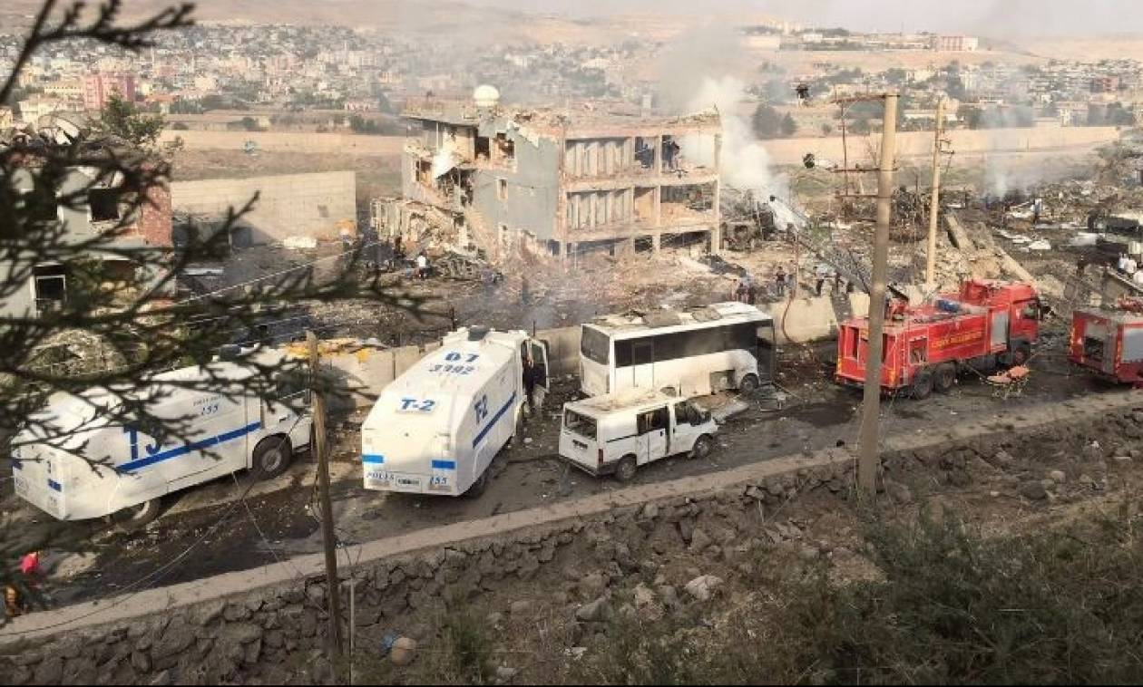 Τουρκία: Παγιδευμένο όχημα σκόρπισε τον θάνατο σε αστυνομικό τμήμα