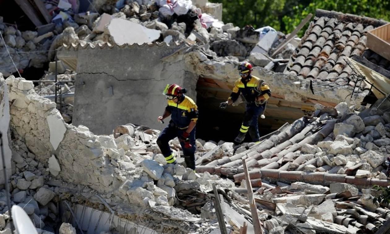 Ιταλία: Ταυτοποιήθηκαν τα πρώτα θύματα του φονικού σεισμού