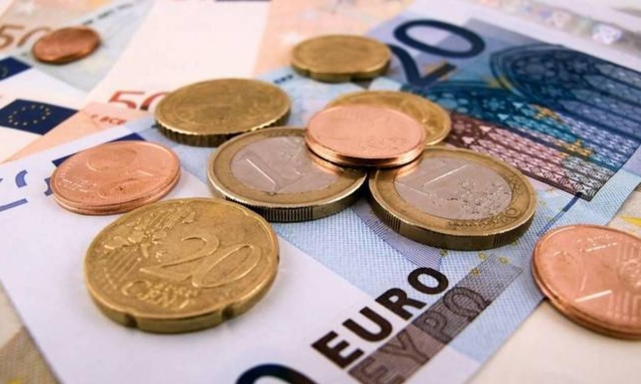 ΟΑΕΔ: Είστε άνεργος; Δείτε πώς θα πάρετε 5.500 ευρώ