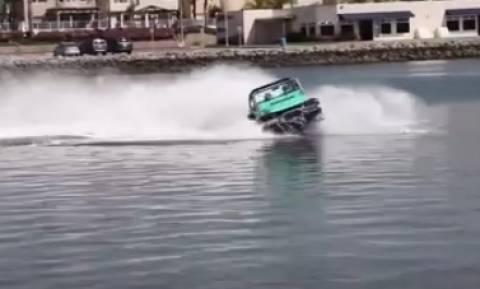 Η απάντηση στα τζετ σκι λέγεται... Water Car και είναι απλά μια τρέλα (video)