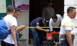 Tρόμος στην Ινδονησία: Τζιχαντιστής επιτέθηκε με τσεκούρι σε ιερέα (pics+vid)