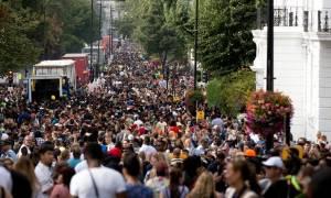 Πανικός σε φεστιβάλ στο Νότινγκ Χιλ - Έξι τραυματίες από επιθέσεις με μαχαίρι (pics+vid)