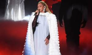 Queen B: Η επική εμφάνιση της Beyoncé στη σκηνή που έκλεψε τις εντυπώσεις στα MTV VMAs