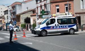 Σε συναγερμό ξανά η Γαλλία: Επιτέθηκαν με μαχαίρι σε αστυνομικό στην Τουλούζη (pics+vid)