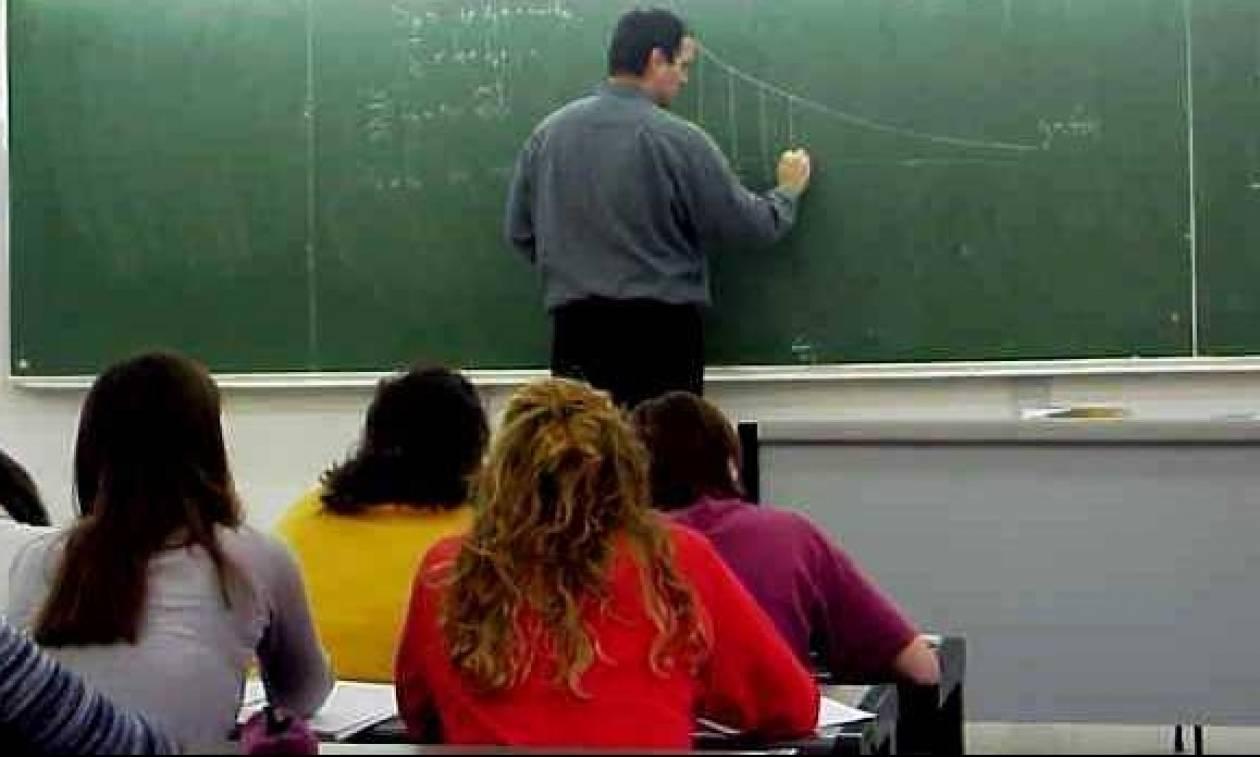 Γκάφα της κυβέρνησης απειλεί να αφήσει χωρίς σύνταξη 1.400 εκπαιδευτικούς;