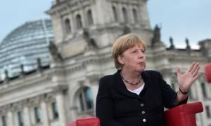 Μέρκελ: Η Γερμανία θα παραμείνει Γερμανία μαζί με τους εκατοντάδες χιλιάδες πρόσφυγες